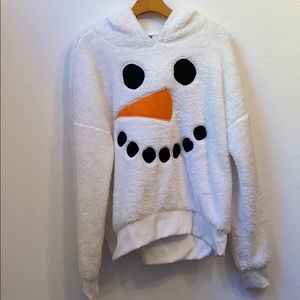 Well Worn Large snowman white sweater with hood